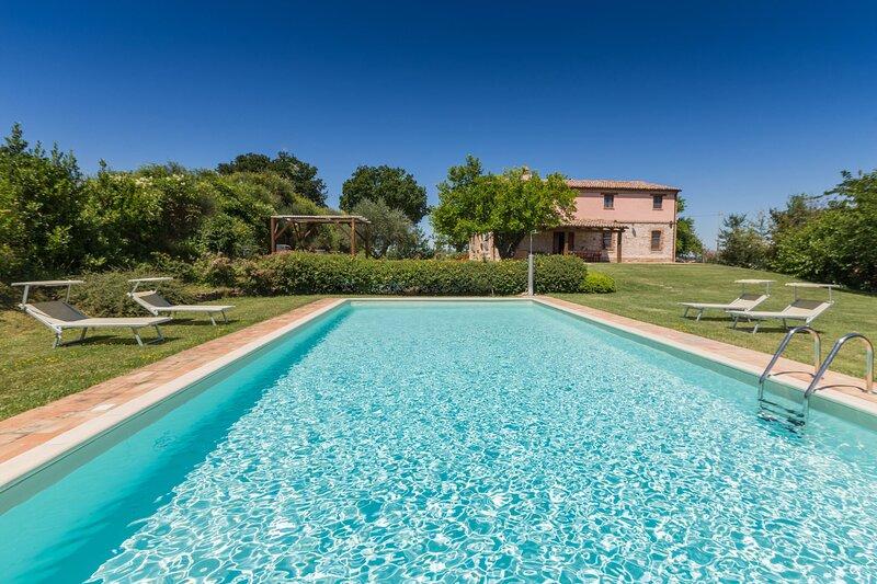 VILLA FUFI, holiday rental in Montefortino