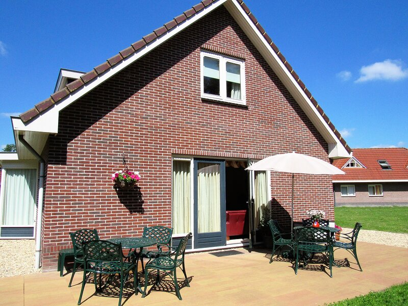 Villa Woldrust, the perfect holiday home for your family, vacation rental in Spakenburg