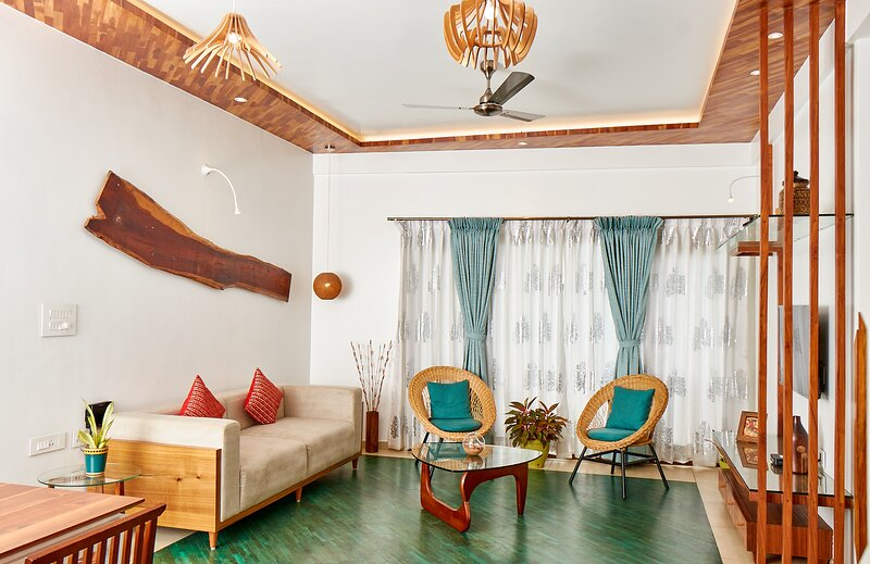 The Jazminn - Wood - Luxury Boutique Service Apartment, holiday rental in Bengaluru