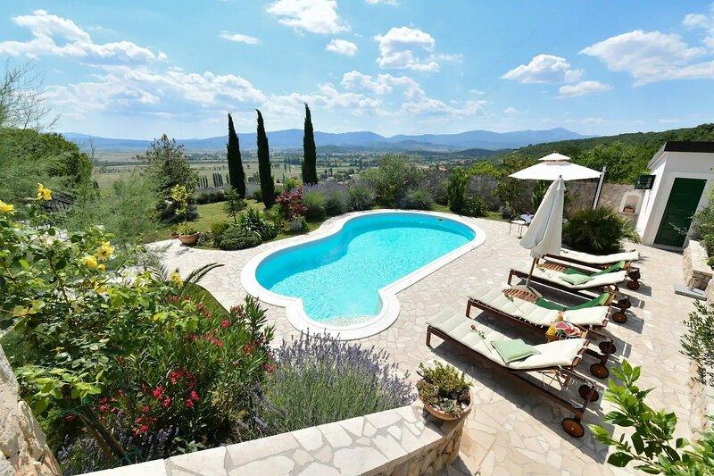 Villa Residencia, holiday rental in Vedrine