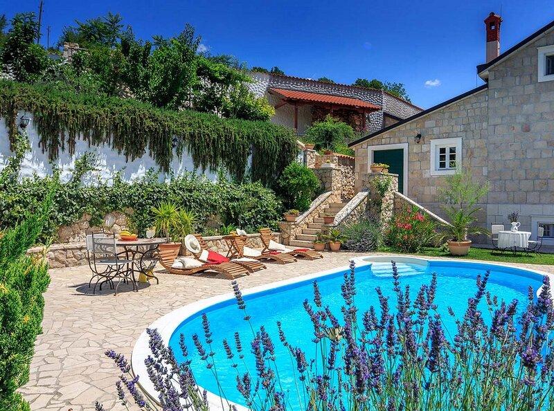 Villa Toscana, holiday rental in Vedrine