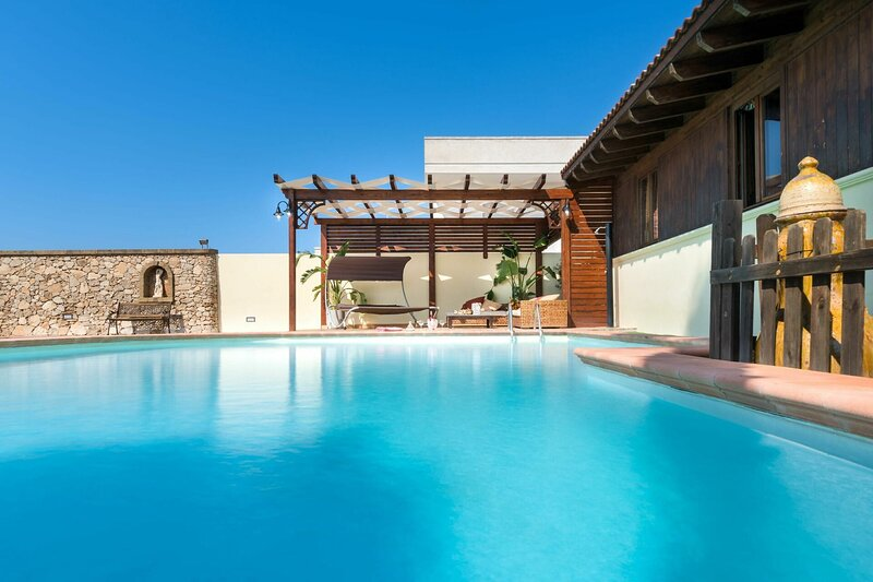 Pool Chalet, vacation rental in Taviano