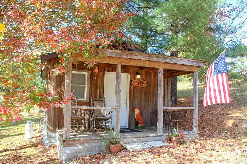 Fox Den Cabin 1st Choice Cabin Rentals Hocking Hills Ohio between Logan & Athens, location de vacances à Haydenville