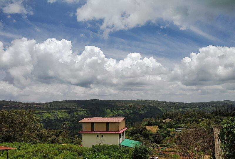 Kusum Palace Bungalow Mahabaleshwar, casa vacanza a Satara District