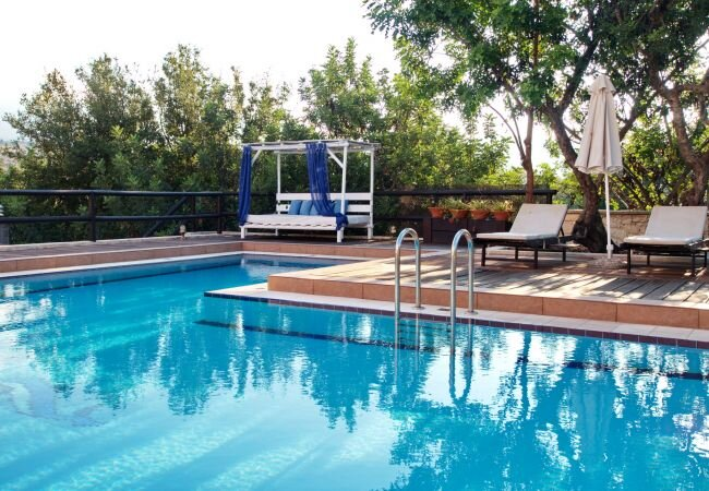 Armenoi Villa Sleeps 6 with Pool and Air Con - 5873686, vacation rental in Agioi Pantes