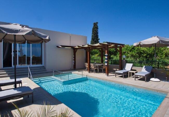 Kamisiana Villa Sleeps 7 with Pool and Air Con - 5873734, alquiler de vacaciones en Kamisiana