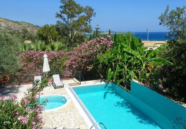 Kato Kateleios Villa Sleeps 7 with Pool and Air Con - 5873693, holiday rental in Katelios