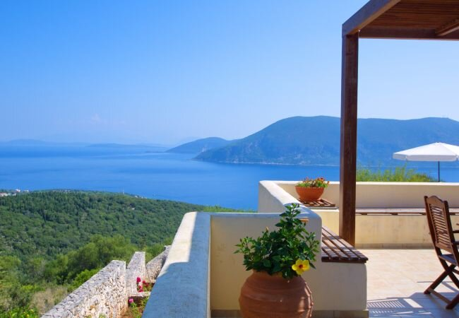 Katsarata Villa Sleeps 7 with Pool and Air Con - 5873706, holiday rental in Katsarata