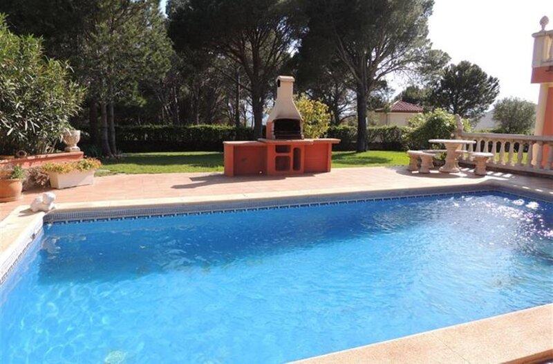 2 apartamentos privados con piscina, aluguéis de temporada em Pau