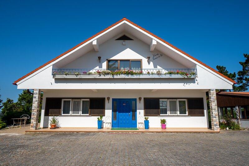Refúgio Rural - Eco Villa, location de vacances à Salir de Matos