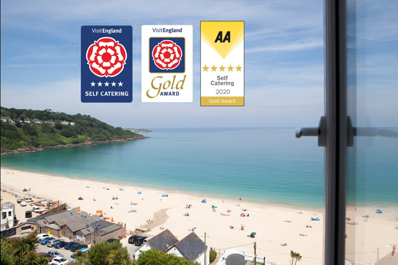 Luxury penthouse 5* Gold , Ocean front, holiday rental in St Ives