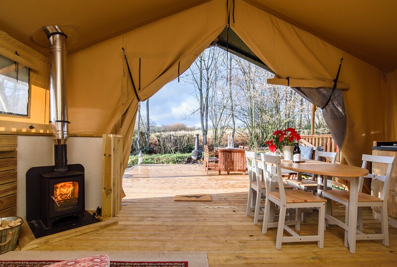 Medley Meadow Glamping, location de vacances à Monmouthshire
