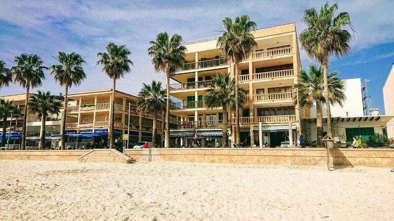 Penthouse Playa y Puerto, holiday rental in Colonia de Sant Jordi