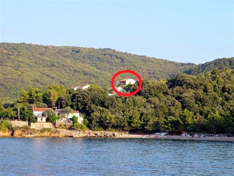 Griv - close to the sea: R1(2) - Valun, holiday rental in Valun