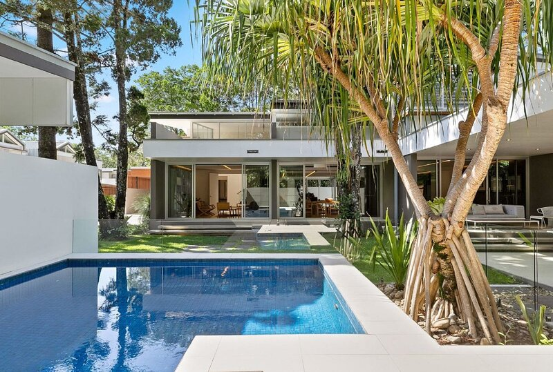 Your Luxury Escape - Domain 7, holiday rental in Hayters Hill