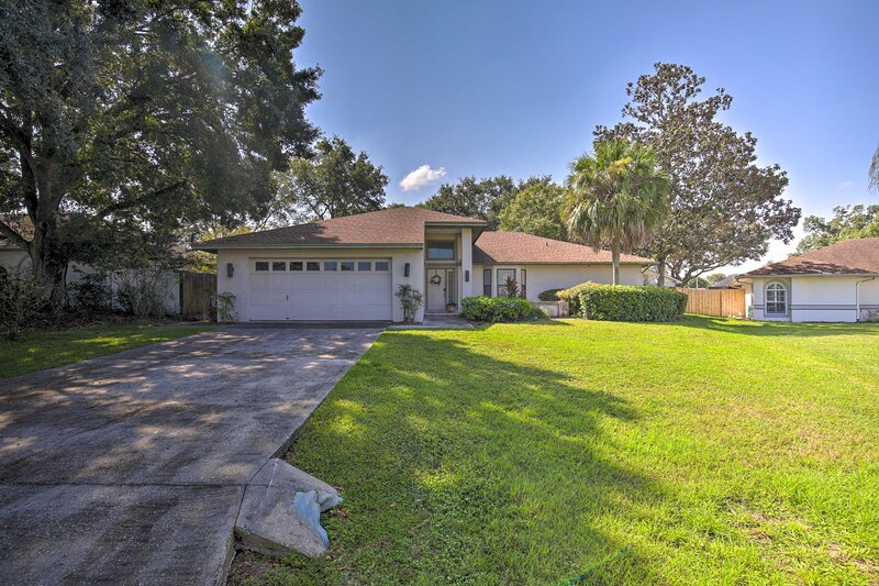 NEW! 1-Story Home w/Yard <7Mi to Downtown Lakeland, casa vacanza a Kathleen