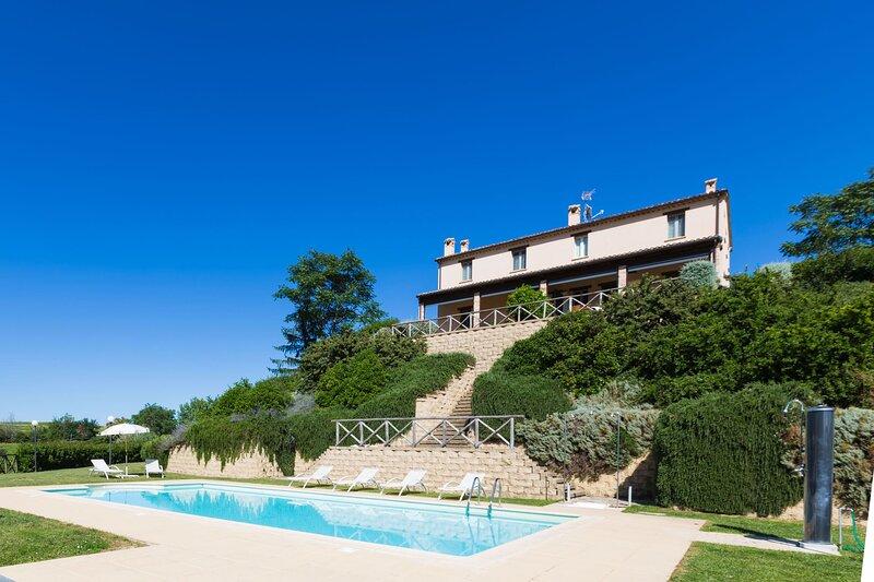 VILLA LUISA - 1-FURBO, holiday rental in Mondavio