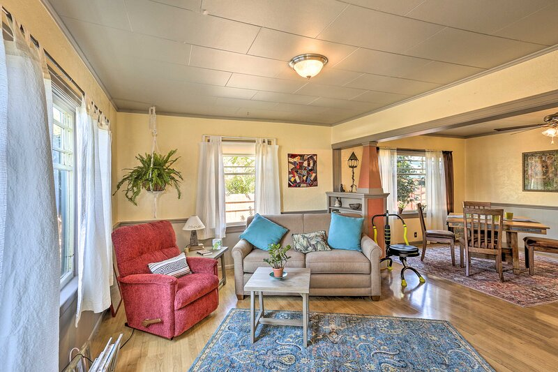 Comfortable Fortuna Haven Near Humboldt State Park, vacation rental in Loleta