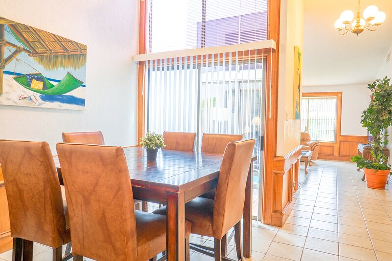 Vista Verde 145 - Comfortable and Spacious 2/2/1 Condo in Brownsville, vacation rental in Brownsville