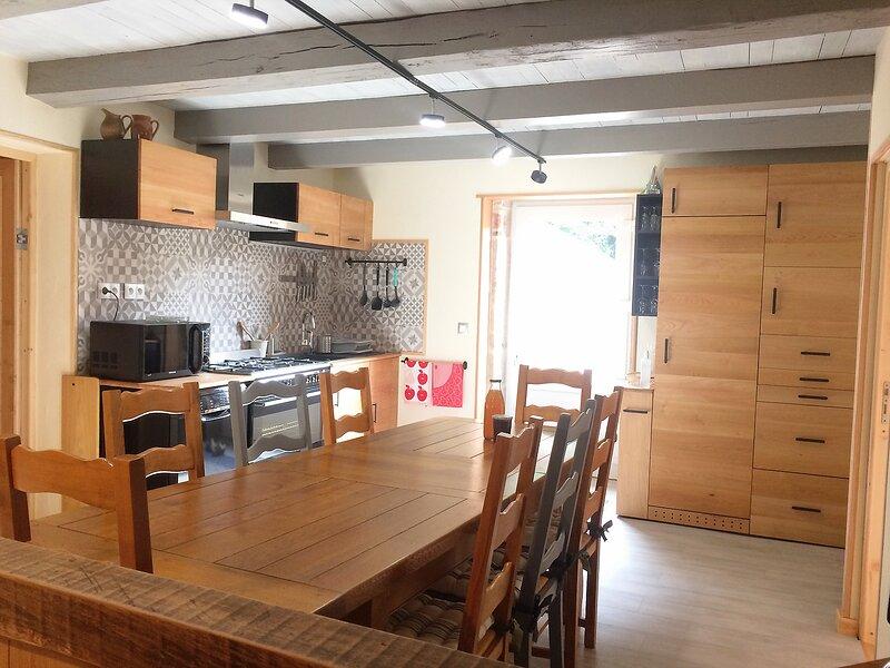 Les Billardes - Gite et Chambres d'hôtes - Jura, holiday rental in Cousance