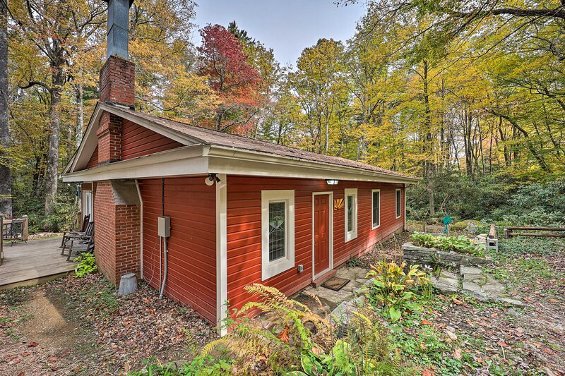 NEW! Upper Creek Cabin: 7 Miles to Linville Falls!, holiday rental in Linville Falls