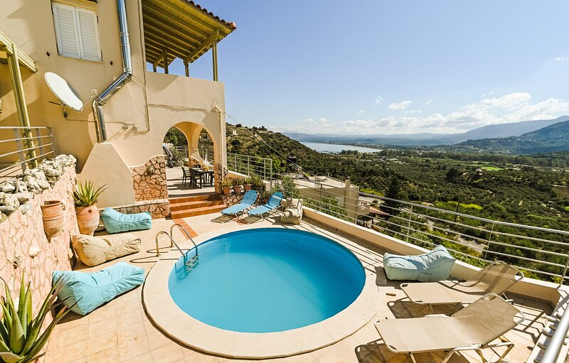 Aloe villa Chania Crete, vacation rental in Exopoli