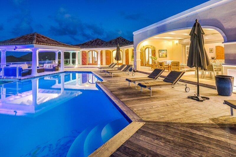 Villa Happy Bay | Beach View - Located in Wonderful Happy Bay with Private Poo, aluguéis de temporada em La Savane