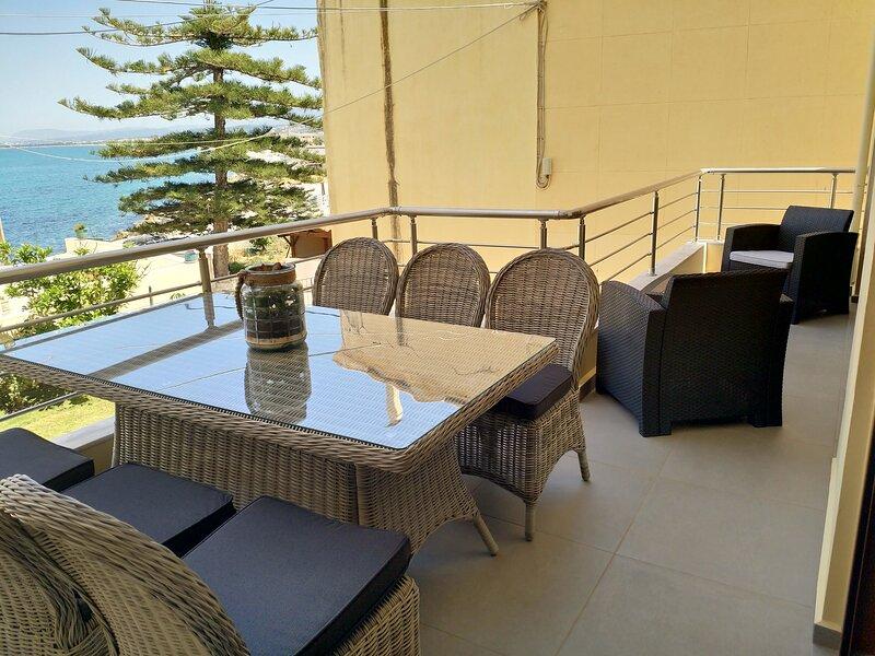 Sunrise Sea View Apartment, vakantiewoning in Kolymbari