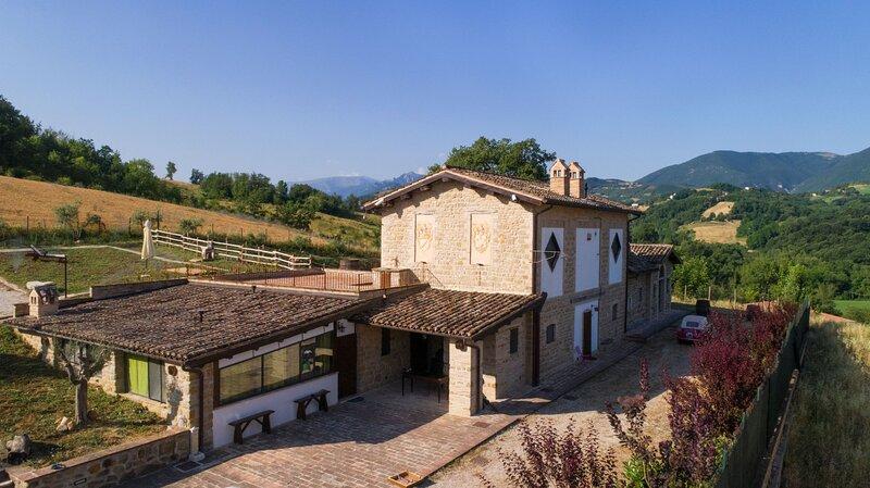 Villa Lucia, Ferienwohnung in Borgiano di Serrapetrona