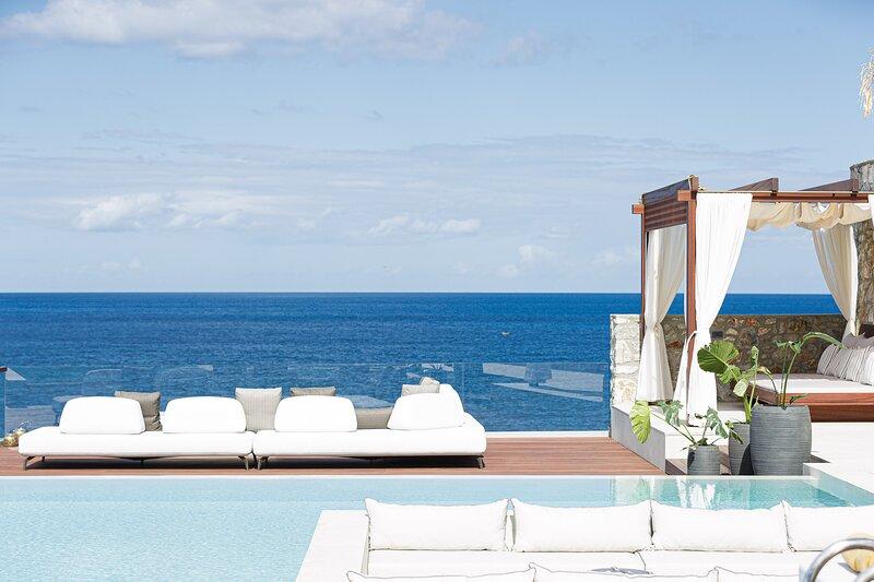 Zillion Villa, intangible beachfront luxury!, holiday rental in Panormos