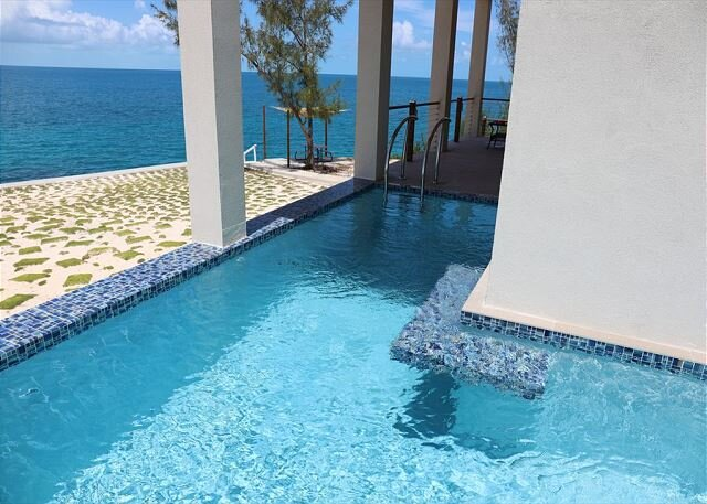 New High-End Oceanfront Home - PRIVATE Pool, Generator, Kayaks, Snorkeling!, holiday rental in Governor's Harbour