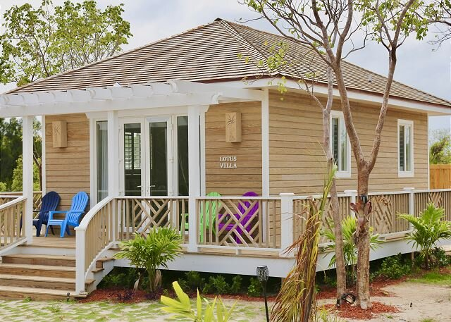 Brand New One-Bedroom Cottage with Full Beachfront Resort Privileges, holiday rental in North Palmetto Point