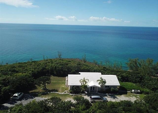 Private Oceanfront Estate, Best Snorkeling! Caves, Kayaks, NEW HTD. POOL!, holiday rental in Governor's Harbour