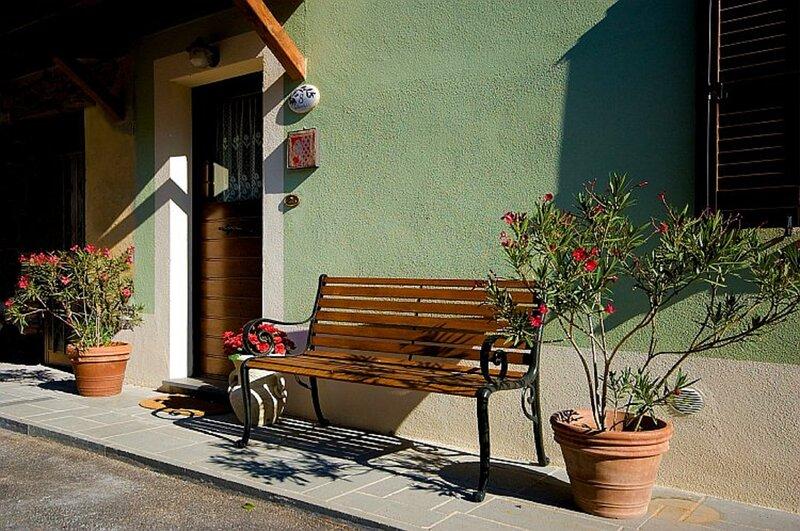 Green House near Civita di Bagnoregio - amazing panoramic view - Free Wi-fi, Ferienwohnung in San Michele in Teverina