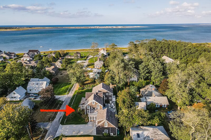 Stunning Newly Renovated Home Steps to Barnstable Harbor; 066-Ba, vacation rental in Yarmouth Port
