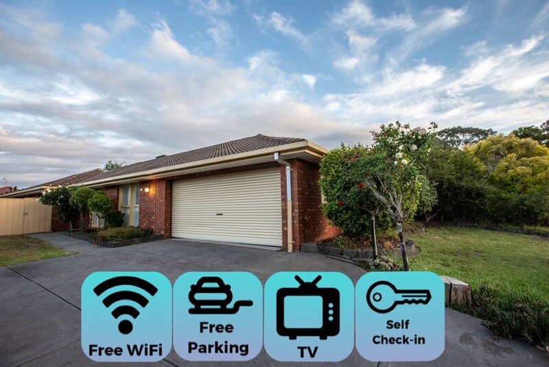 Quiet & Peaceful 3bed2bath HOME *Keilor Downs, casa vacanza a Tullamarine