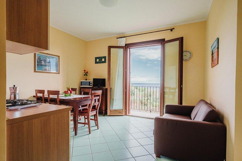 Appartamento Tulipano - S.Tecla, holiday rental in Scillichenti