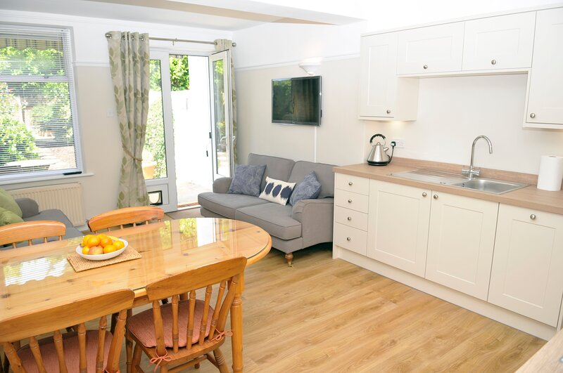 Little Lane, sleeping 4 (+2), vacation rental in Gosport