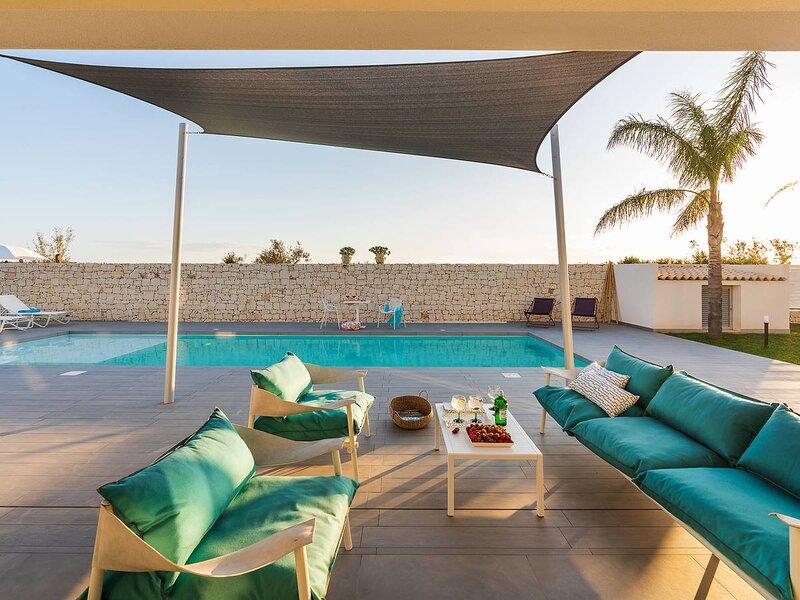 Reitani Villa Sleeps 7 with Pool Air Con and WiFi - 5872496, holiday rental in Reitani