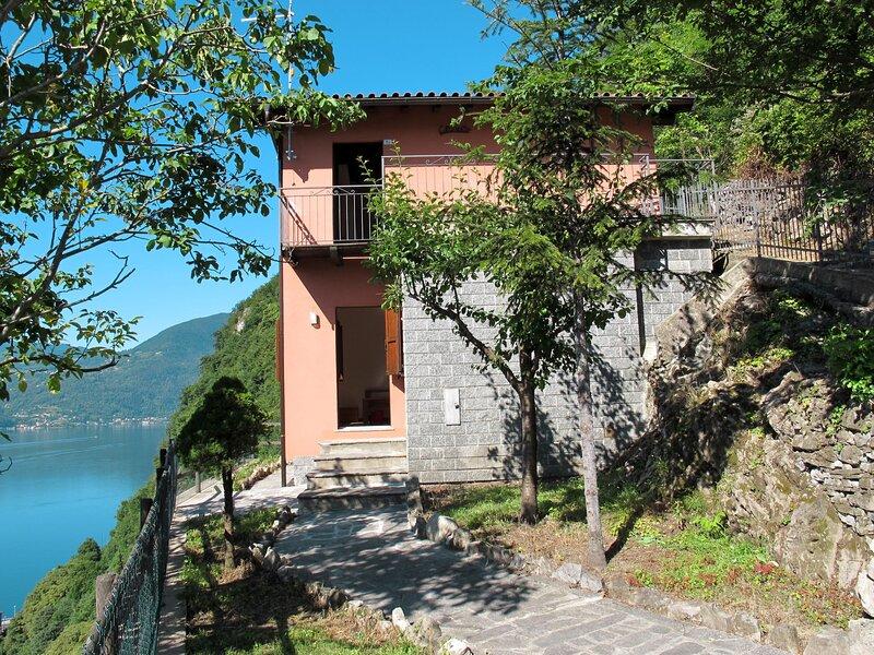 Ca' Rossa (PLZ140), holiday rental in Porlezza