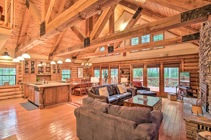 NEW! Anderson Island Cabin on Half Acre w/Fire Pit, holiday rental in Herron Island