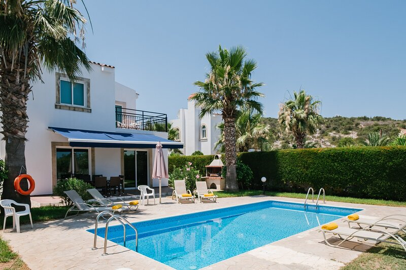 Chrysanthemum Villa, holiday rental in Paphos District