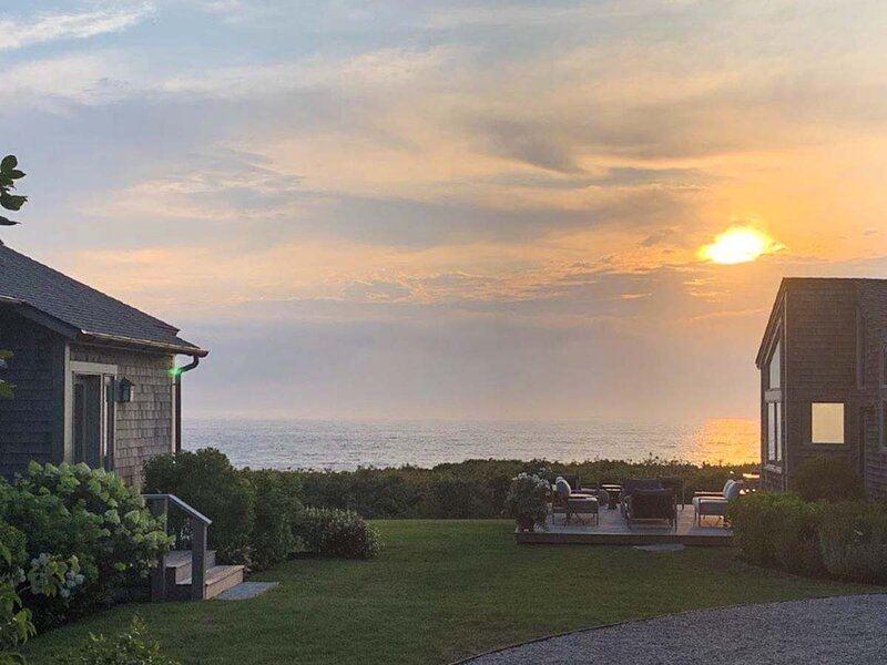 SUDRL - Ocean View House! Luxury Main and Guest, Waterfront on the Vineyard Soun – semesterbostad i Aquinnah