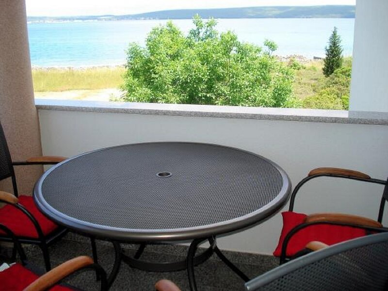 Neven - economic apartment close to sea: A5(2+2) - Dobropoljana, holiday rental in Dobropoljana