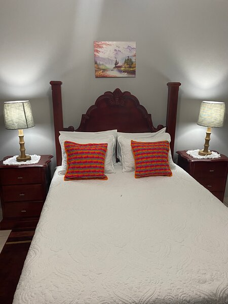 A Comfortable stay at Pond View Apartment, vacation rental in Yallahs