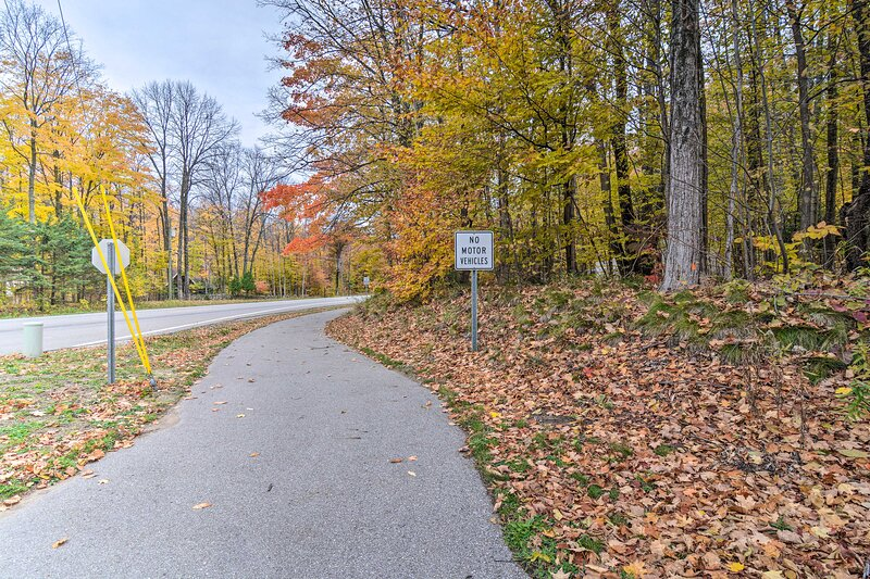Little Traverse Wheelway (250 feet)   Bike/Walking Path