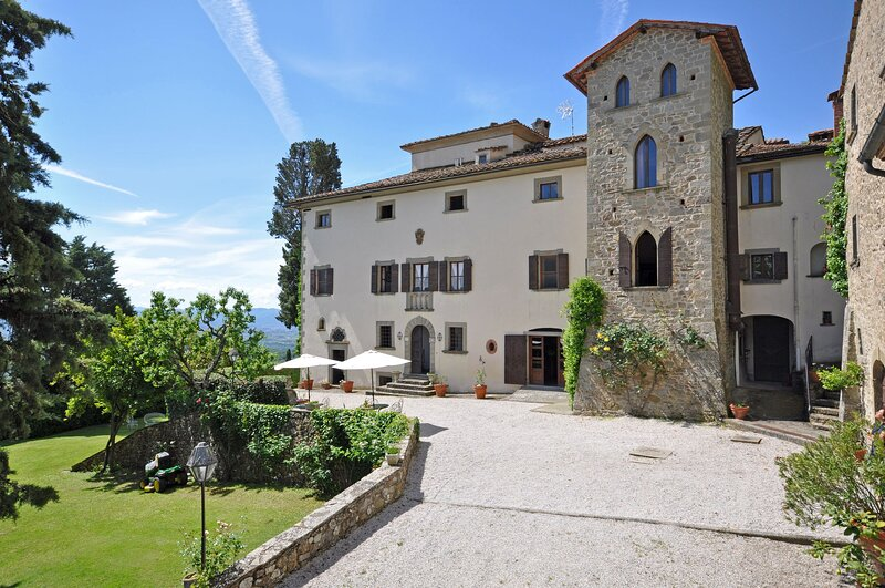 Casavecchia Apartment Sleeps 4 with Pool and WiFi - 5241770, vacation rental in Talla