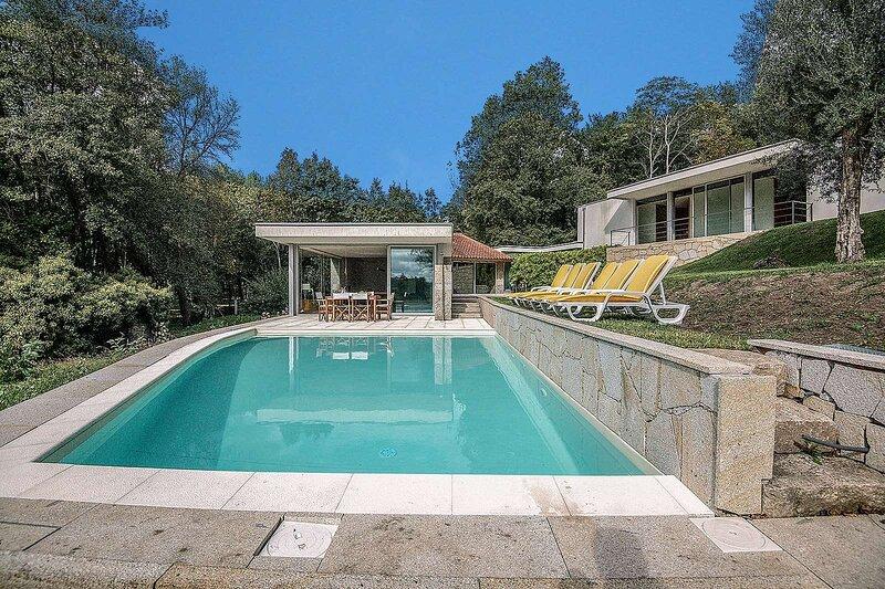 Lanhas Villa Sleeps 6 with Pool and WiFi - 5873956, casa vacanza a Caldelas