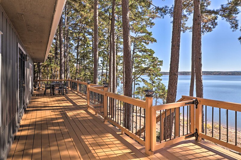 NEW! Waterfront Getaway w/ Furnished Deck & Grill!, holiday rental in Shirley