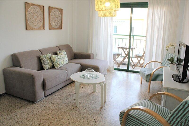 Playa San Juan 3 bd apartment by the sea, alquiler vacacional en Playa San Juan